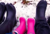 Casal fotografa seus pés pelo mundo