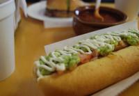 Quero comer o Chile! O cachorro quente de guacamole