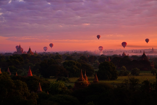 Balloons over Bagan by Peter Halling Hilborg