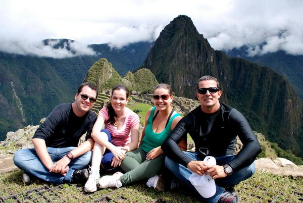 O bloco Inca Folia em Machu Picchu