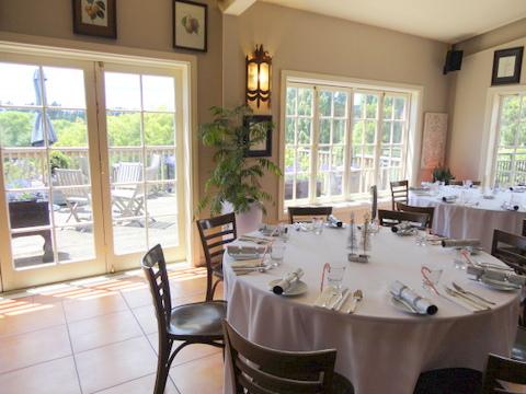 Murdoch James - O restaurante por dentro