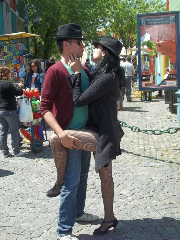 Renan Rigo posando de jacu no Caminito em Buenos Aires