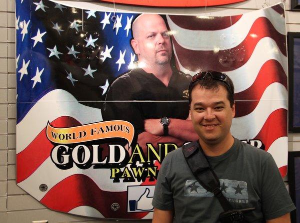 Las Vegas   Loja de Penhores   O gordinho turista com o gordinho popstar