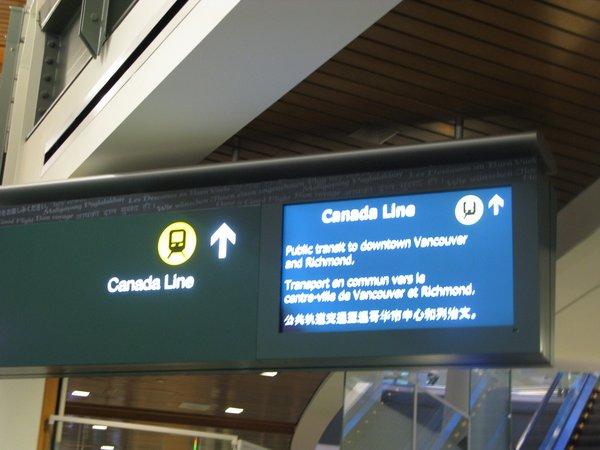 Aeroporto de Vancouver - Placa indicando a Canada Line
