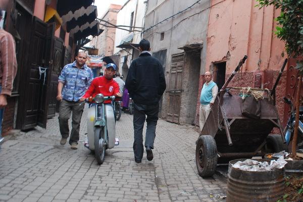 As scooters estão por todo lado no Marrocos