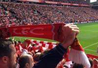 Assistindo a estreia do Liverpool na Premier League no Anfield Stadium