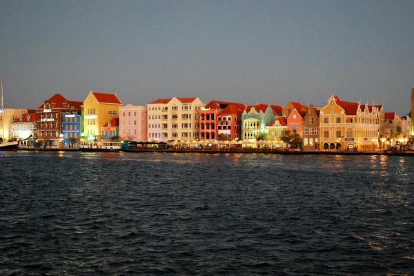 Punda | Noite | Willemstad