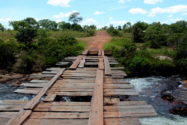 Ponte em péssimas condições sobre o Rio das Balsas - Cachoeira da Fumaça - Jalapão