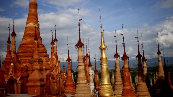 Indein Village na região do Inle Lake em Myanmar