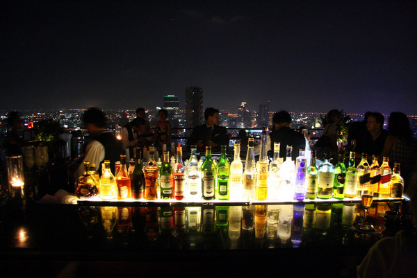 Rooftop Bars - Moon Bar at Vertigo em Bangkok