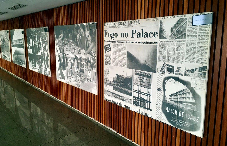Brasilia Palace   Paineis que contam a história do hotel e a da capital